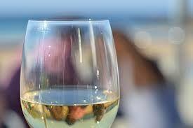 Velocidad de consumo de oxígeno y SO2 en vinos blancos y rosados: relación y efecto en la composición química del vino