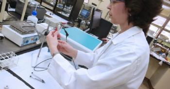 Un nuevo sensor electroquímico analiza en la piel de la uva el momento óptimo de la vendimia