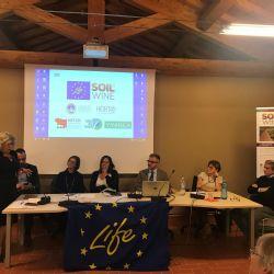 La Consejera Regional de Agricultura, Simona Caselli, habla sobre la importancia de las inversiones en la política del suelo